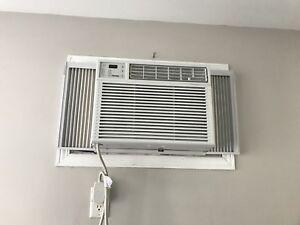Air climatisé Danby 12000 BTU.  Disponible au mois d'août