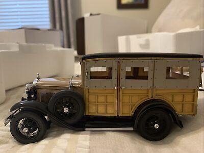 1/24 Scale1931 Ford Model A Station Wagon Die Cast Model Car w/Box Danbury Mint