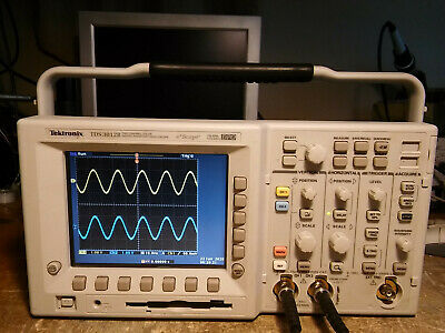 5 Hours Tektronix Tds3052b 500 Mhz 5gss 2 Ch Oscilloscope Tds3fft Tds3trg