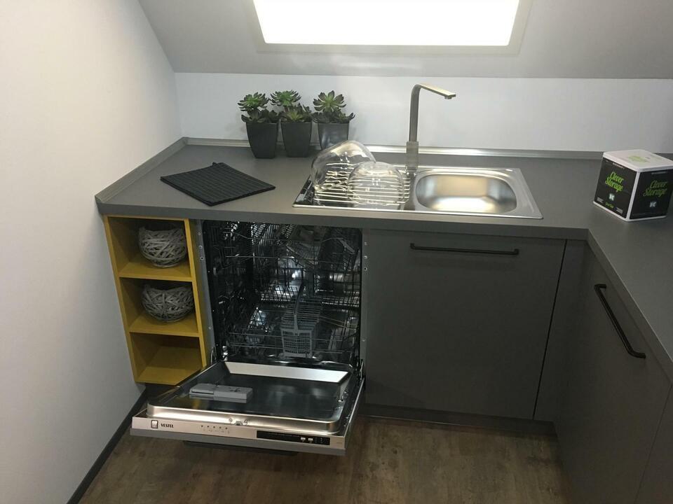 NEUE Einbauküche L-Form Küche in modern grau  D16 in Enger
