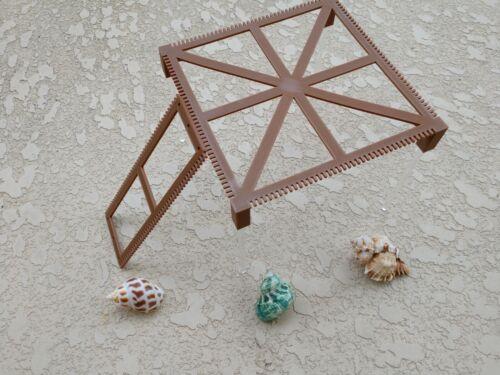 Hermit Crab Climbing Playground - Square Platform with Ladder