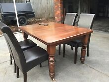 Extendable Dining table and chairs Ringwood East Maroondah Area Preview