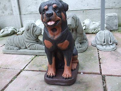 BIG PAINTED SITTING ROTTWEILER  DOGS DOG  STONE GARDEN   SCULPTURE STATUE