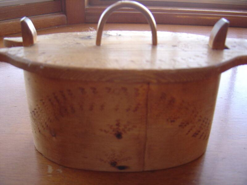 Woodburned vintage Tina TINE Box Norwegian