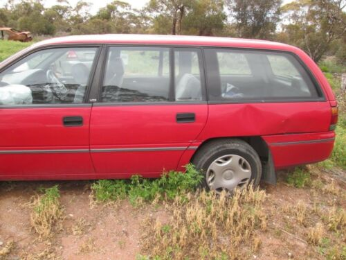 Car Parts - Holden Commodore VS wagon Acclaim Red Complete car wrecking all parts available