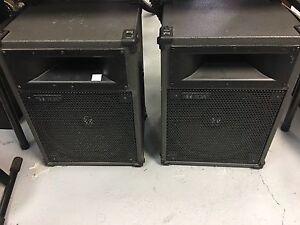 Speaker pour DJ ou spectacle TOA SL-122 très bonne condition