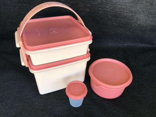 VTG Tupperware Sandwich Keeper Square Away Lunch Box & snack keepers 9-pcs New