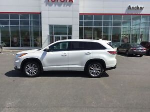 2015 Toyota Highlander XLE AWD; ALLOYS; P/ROOF; NAVI; LOADED