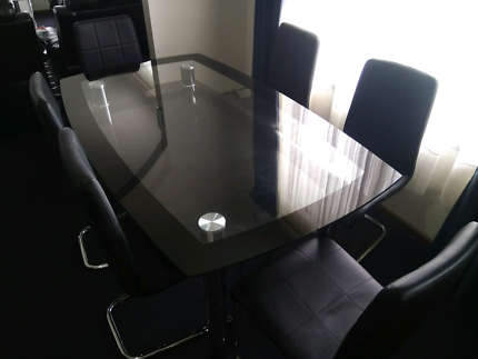 Near New Dining Table For Sale With 6 Chairs