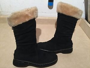 """Women's """"Bare Traps"""" Winter Boots Size 8.5 M London Ontario image 1"""