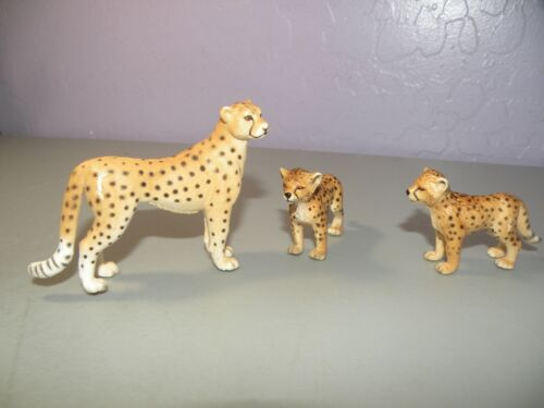 Schleich Cheetah Set Family Mother Female & 2 cubs collectable
