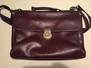 Beautiful leather fossil messenger bag brief case / laptop bag
