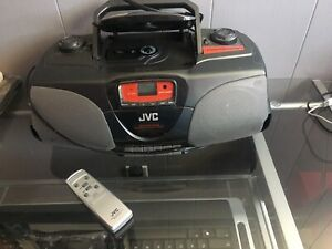 JVC TAPE AND CD PLAYER