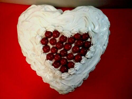 ARTIFICIAL HEART SHAPED CAKE PROP