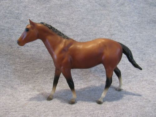 Breyer 1015 Quarter Horse Stallion paddock pal 4 stockings