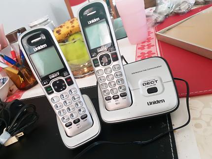 2x Uniden phones - cordless