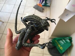 Alien Warrior ArtFX Kotobukiya figurine