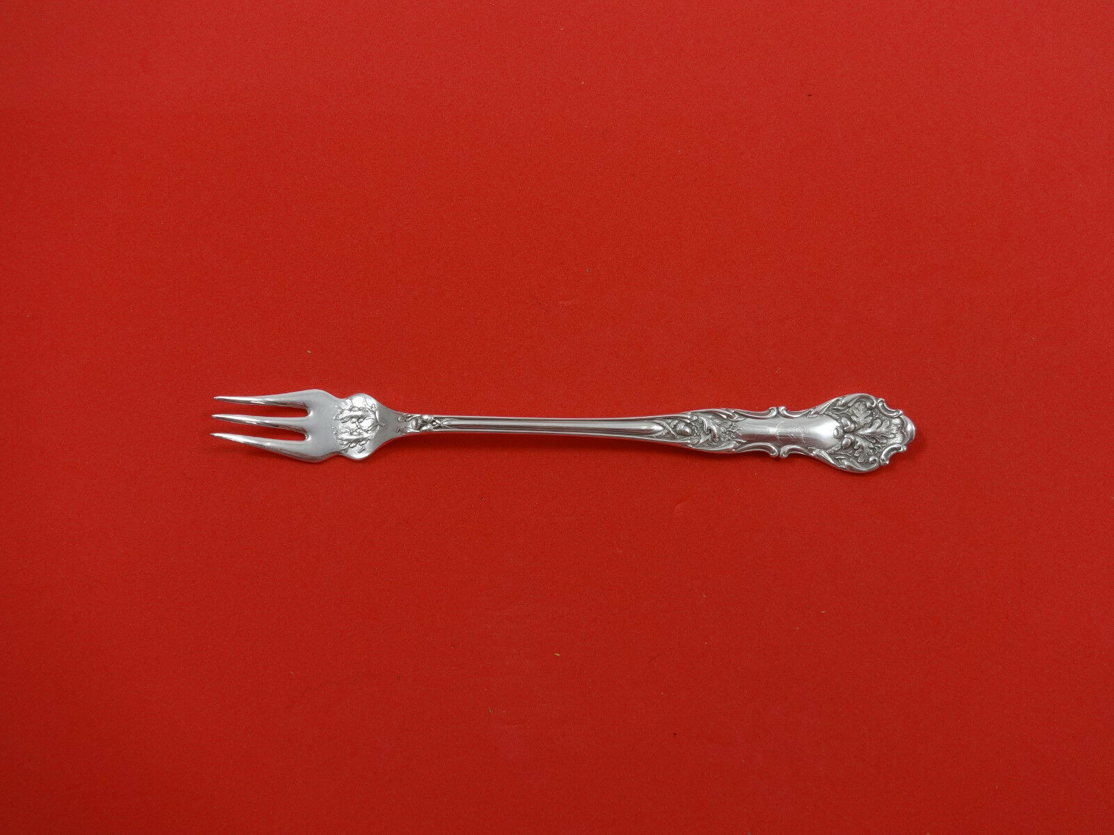 Charter Oak by 1847 Rogers Plate Silverplate Cocktail Sea Food Fork 6 1//8/""