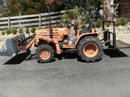 kubota tractor B7200
