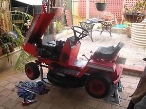 ROVER RANCHER 11 HP RIDE ON MOWER Thornlie Gosnells Area Preview