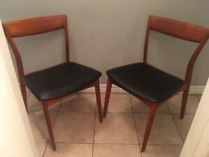 Beautiful pair of Mid century modern Danish Teak chairs - Viborg