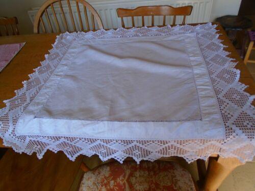VINTAGE IRISH LINEN TABLECLOTH - HAND CROCHET COTTON LACE BORDER