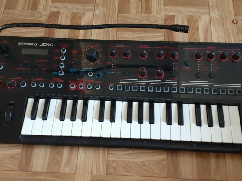 Roland JDXI Keyboard Synthesizer