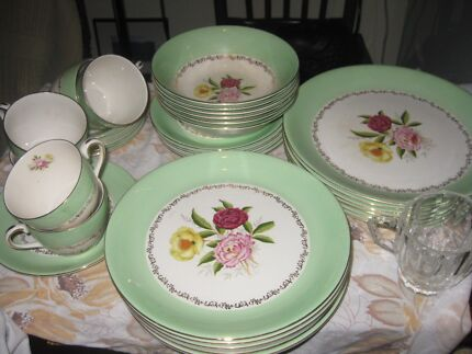 1940s-Alfred Meakin- 36 pc complete Dinner set