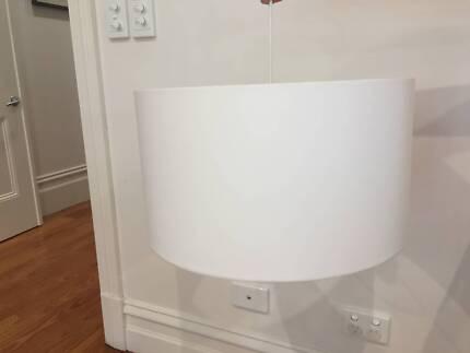 Simple round light shade