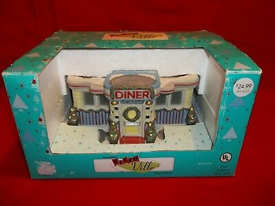 2005 Santa's Workbench, Retro Ville, Pop's Diner. Used. Great Condition!    545