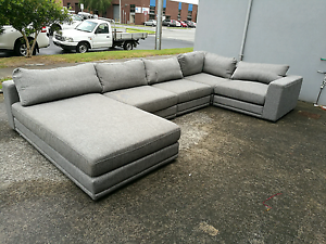 Ex display large 5 seater modular chaise with feather Mentone Kingston Area Preview