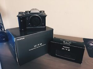 Fujifilm XT2 graphite silver body, with extras