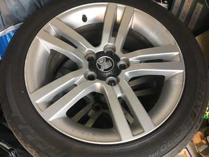 VE SS Commodore Rims and tyres $350 Firm