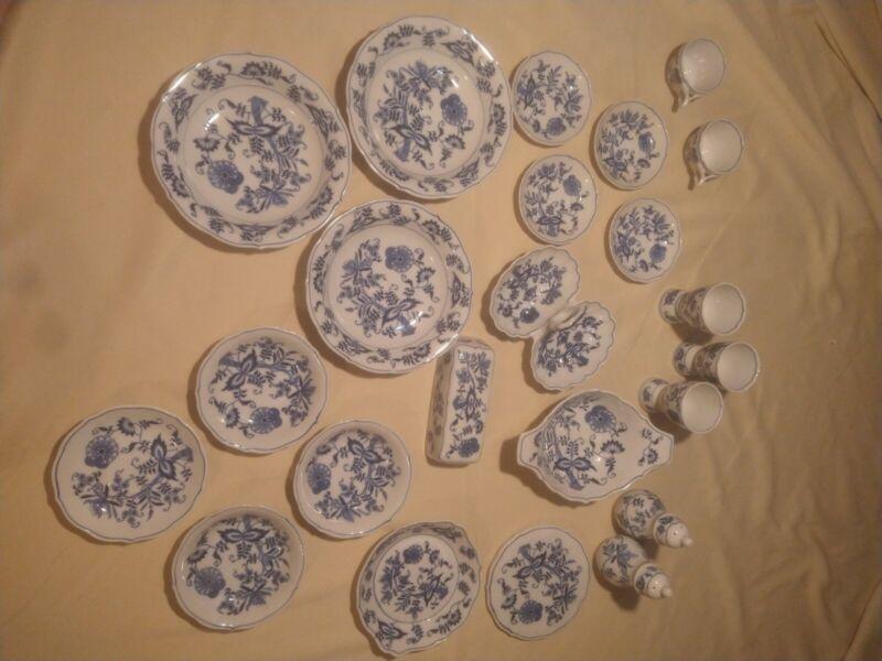 23 Pieces Blue Danube China Set