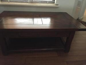 Solid wood coffee table Beaconsfield Fremantle Area Preview