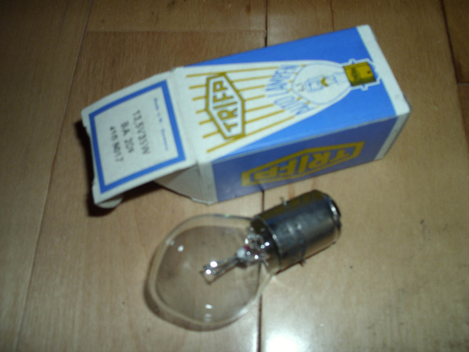 Vintage Snowmobile Ski Doo 13.5 Volt 35 Watt Head Light Bulb NEW OEM 410501700