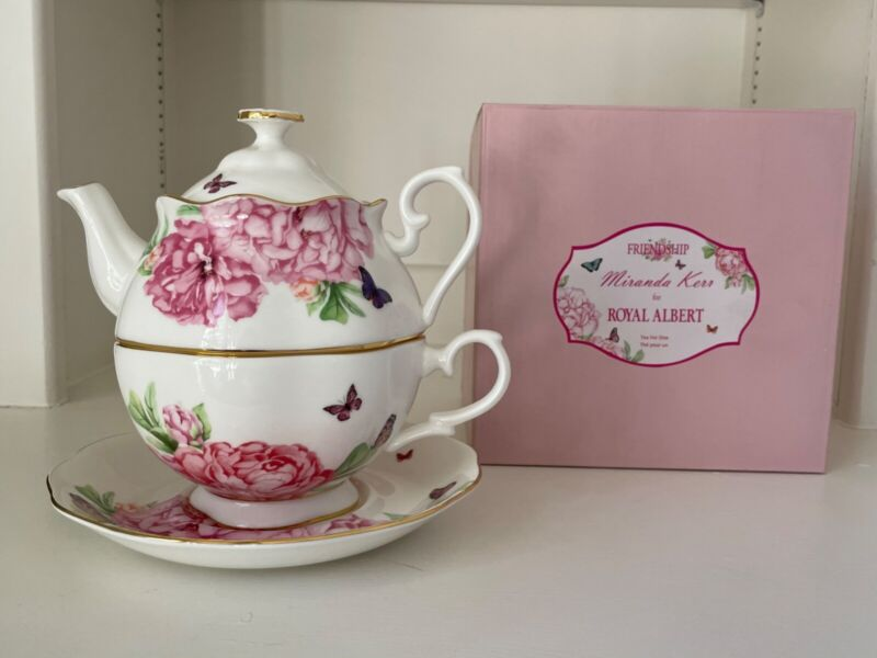 Miranda Kerr for Royal Albert Tea for One set.