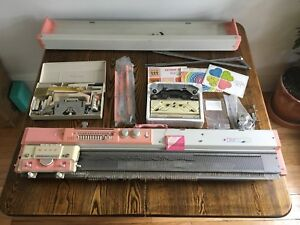 Singer Knitting Machine KE-1200 Magic Memory