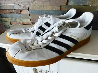 MEN'S ADIDAS MUNCHEN WHITE LEATHER with BLACK STRIPE TRAINERS - SIZE 11UK. USED.