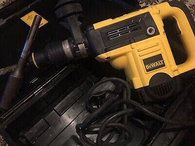 Dewalt D25501 1 916 40mm Sds Max Rotary Hammer Drill Chisel 2 Bits Case