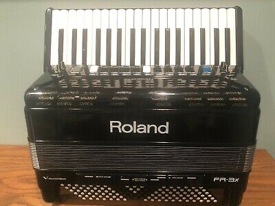 Roland FR3X V Accordion Black 37 treble, 120 bass