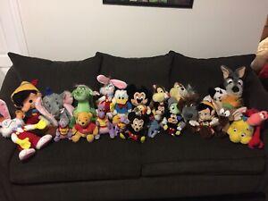 26 Walt Disney world plush dolls