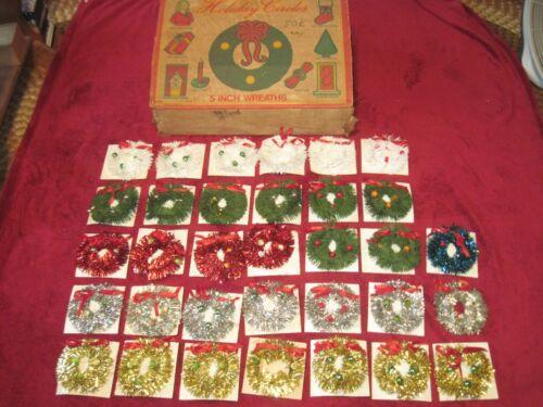 "33 Antique 5"" HOLIDAY CIRCLES Christmas Wreaths in Original Sales Display Box"