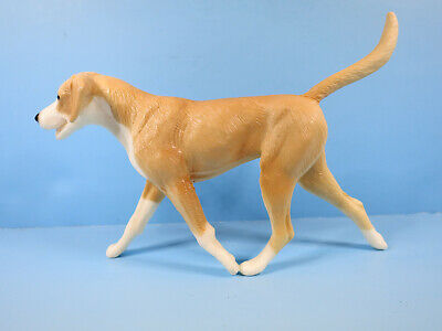 BREYER TRADITIONAL-Companion Animal-Tan & White Hound Dog-From Protocal Set