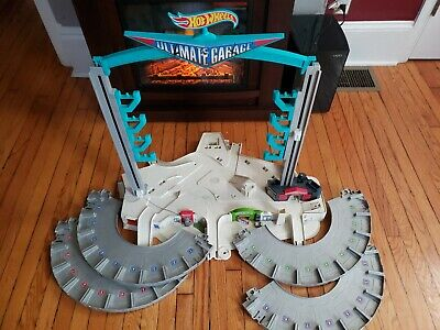 Hot Wheels Ultimate Garage Playset Biggest Ever HUGE Inc.