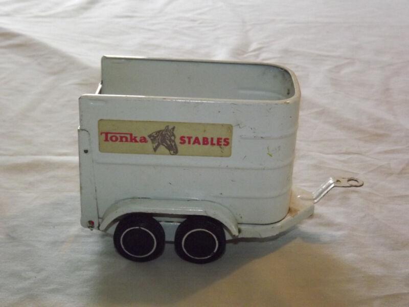 VINTAGE  TOY 1960-70S WHITE  METAL TONKA STABLES HORSE TRAILER