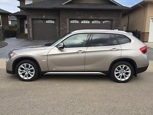 2012 BMW X1 with Nav & Warranty