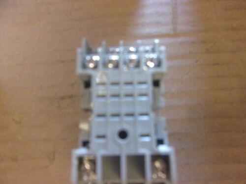 Dayton 2A584E 7A 300V Relay Socket Base