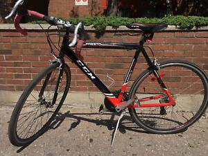 CCM Presto Road Bike- excellent condition