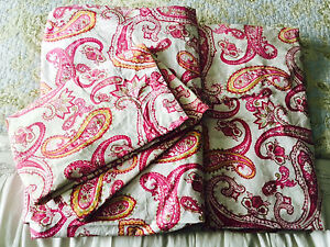 2 Double Paisley Print Duvet Covers with Pillow Cases
